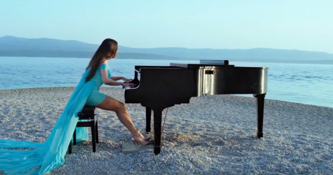 Music video by Lola Astanova on Zlatni rat